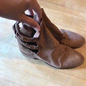 Shoes - Free People Brown landslide booties sz 8/38